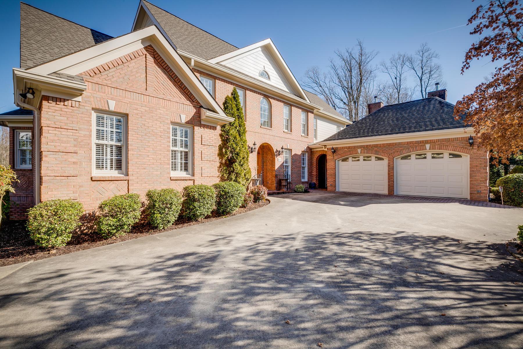 4829 Preston Park Drive, Kingsport, Tennessee 37664, 5 Bedrooms Bedrooms, ,5 BathroomsBathrooms,Single Family,For Sale,4829 Preston Park Drive,2,9903595
