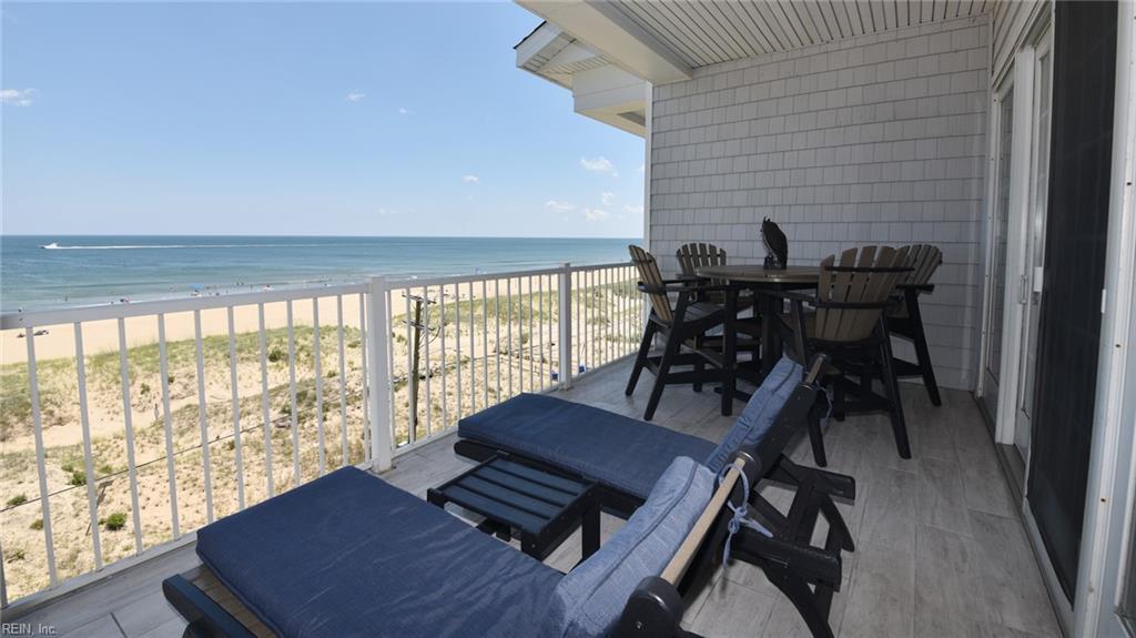 204 Sandbridge Road, Virginia Beach, Virginia 23456, 4 Bedrooms Bedrooms, ,3 BathroomsBathrooms,Townhouse,For Sale,204 Sandbridge Road,2,10360452