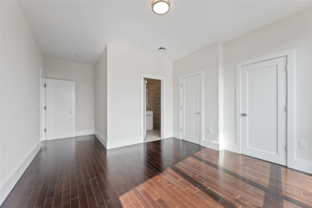 1601 MANHATTAN AVE, Union City, New Jersey 07087, 2 Bedrooms Bedrooms, ,2 BathroomsBathrooms,Condominium,For Sale,1601 MANHATTAN AVE,210003508
