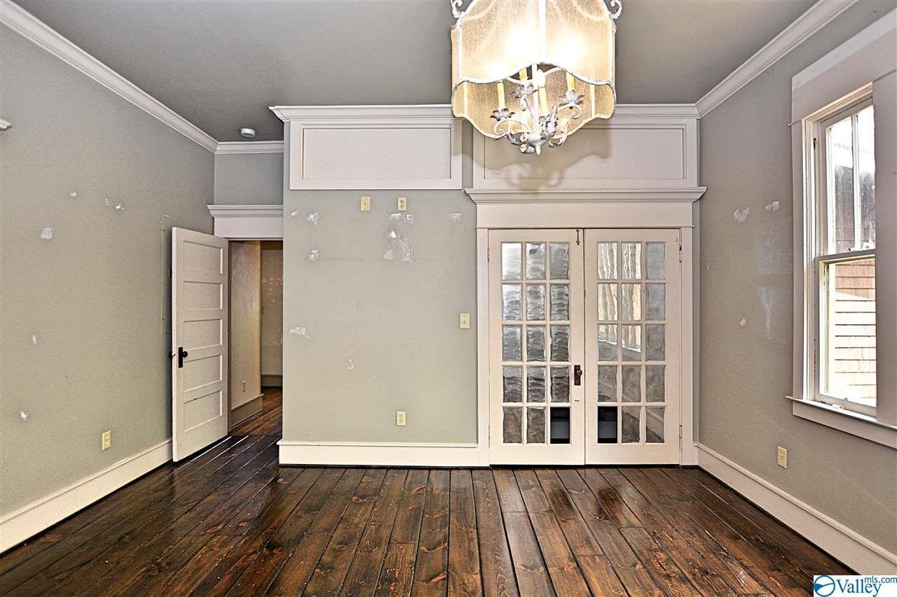 300 East Lee Street, Athens, Alabama 35611, 2 Bedrooms Bedrooms, ,3 BathroomsBathrooms,Single Family,For Sale,300 East Lee Street,1153016