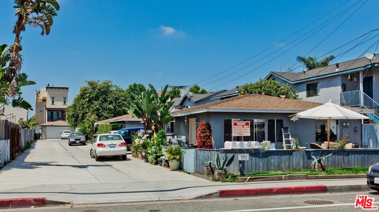 592 HAMILTON ST, Costa Mesa, California 92627, ,Multifamily,For Sale,592 HAMILTON ST,1,20-672368
