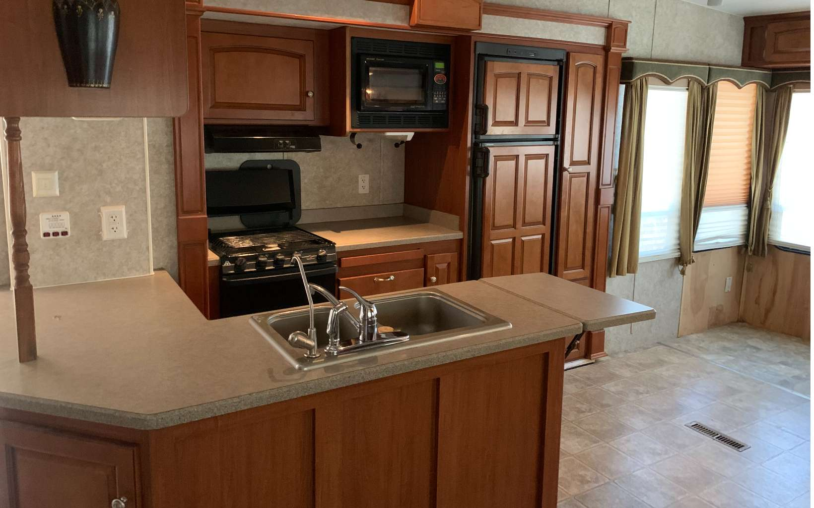 65 2ND ST, Ellijay, Georgia 30540, 1 Bedroom Bedrooms, ,1 BathroomBathrooms,Single Family,For Sale,65 2ND ST,304319