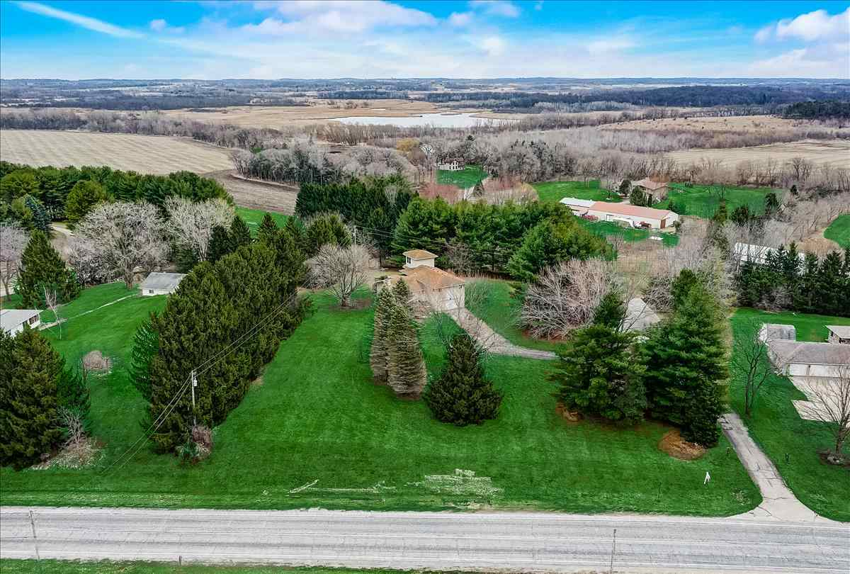 5974 River Rd, Waunakee, Wisconsin 53597, 3 Bedrooms Bedrooms, ,3 BathroomsBathrooms,Single Family,For Sale,5974 River Rd,1902358
