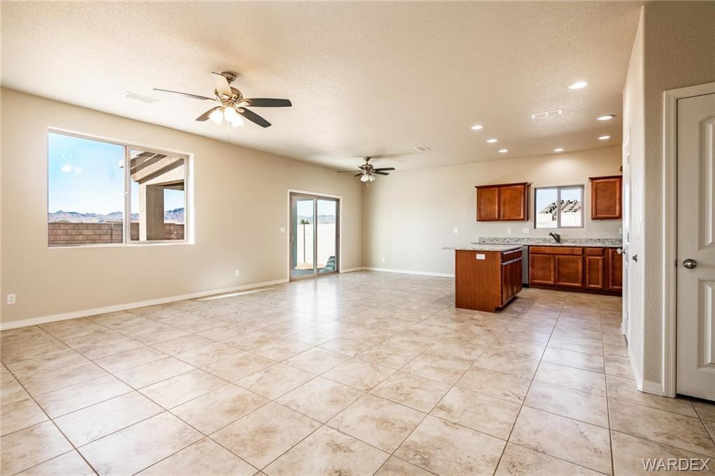 3340 Charleston Street, Kingman, Arizona 86401, 3 Bedrooms Bedrooms, ,2 BathroomsBathrooms,Single Family,For Sale,3340 Charleston Street,977539