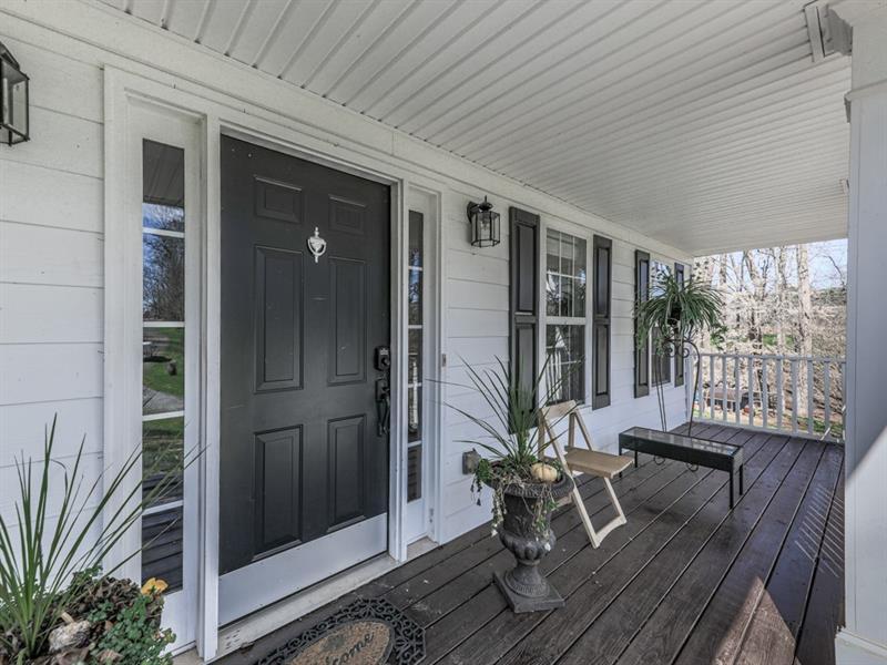 6573 Woodstock Road, Acworth, Georgia 30102, 4 Bedrooms Bedrooms, ,3 BathroomsBathrooms,Single Family,For Sale,6573 Woodstock Road,2,6841517