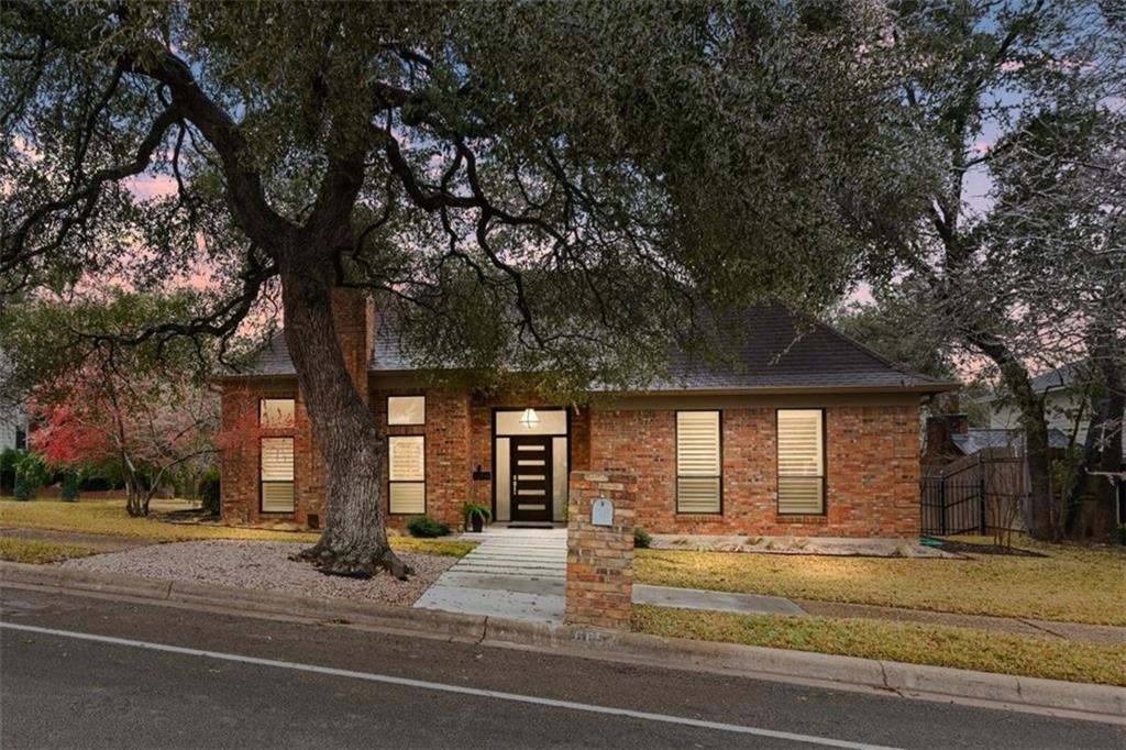 6654 Whitemarsh Valley WALK, Austin, Texas 78746, 3 Bedrooms Bedrooms, ,3 BathroomsBathrooms,Townhouse,For Sale,6654 Whitemarsh Valley WALK,8672476