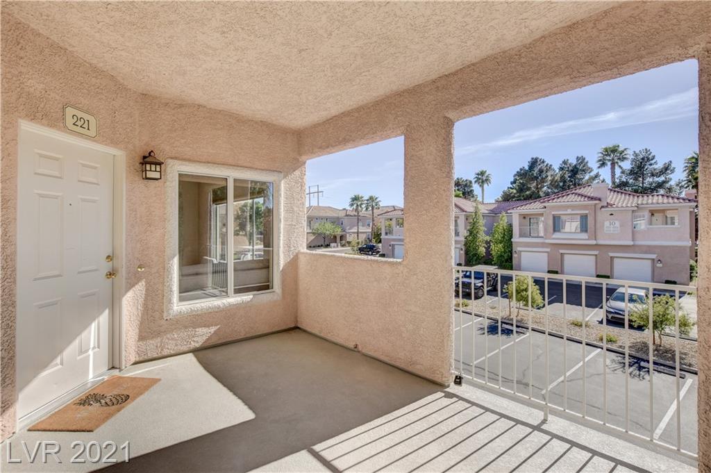251 Green Valley Parkway, Henderson, Nevada 89012, 1 Bedroom Bedrooms, ,1 BathroomBathrooms,Condominium,For Sale,251 Green Valley Parkway,2,2271046