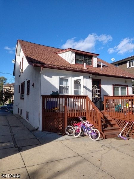 520 Jersey Ave, Elizabeth City, New Jersey 07202-1707, 6 Bedrooms Bedrooms, ,3 BathroomsBathrooms,Multifamily,For Sale,520 Jersey Ave,3693621