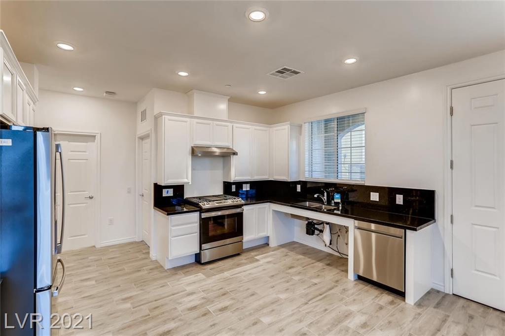20 Barbara Lane, Las Vegas, Nevada 89183, 3 Bedrooms Bedrooms, ,3 BathroomsBathrooms,Condominium,For Sale,20 Barbara Lane,2,2272697