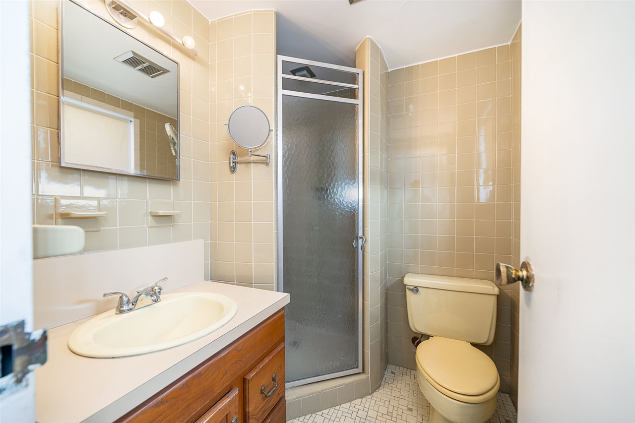 1070 KENNEDY BLVD, Bayonne, New Jersey 07002, 2 Bedrooms Bedrooms, ,2 BathroomsBathrooms,Condominium,For Sale,1070 KENNEDY BLVD,210004541