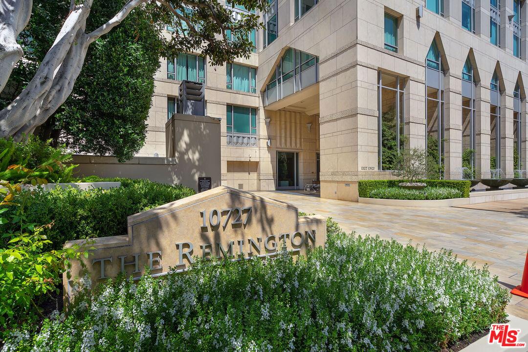 10727 WILSHIRE, Los Angeles, California 90024, 2 Bedrooms Bedrooms, ,3 BathroomsBathrooms,Condominium,For Sale,10727 WILSHIRE,21-697844