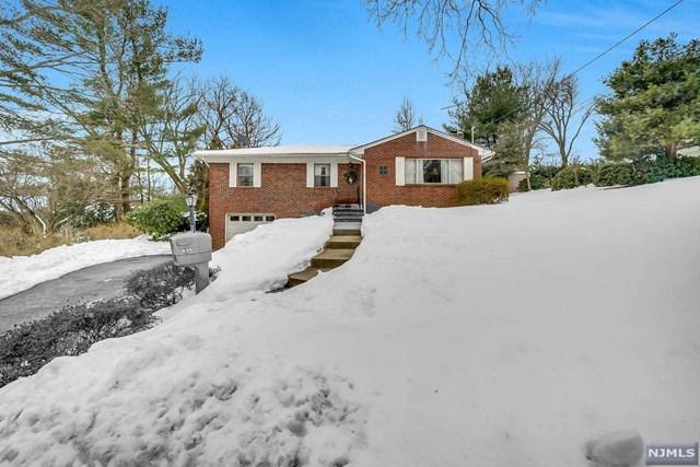 611 Schaefer Avenue, Oradell, New Jersey 07649, 3 Bedrooms Bedrooms, ,2 BathroomsBathrooms,Single Family,For Sale,611 Schaefer Avenue,21006371