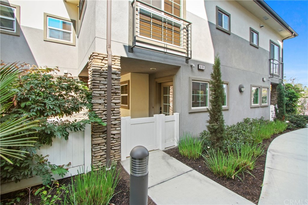 618 Seabright Circle, Costa Mesa, California 92627, 2 Bedrooms Bedrooms, ,3 BathroomsBathrooms,Townhouse,For Sale,618 Seabright Circle,OC21045507