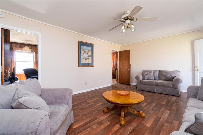 3363 Wheeler Drive, Acworth, Georgia 30102, 3 Bedrooms Bedrooms, ,2 BathroomsBathrooms,Single Family,For Sale,3363 Wheeler Drive,1,6849604