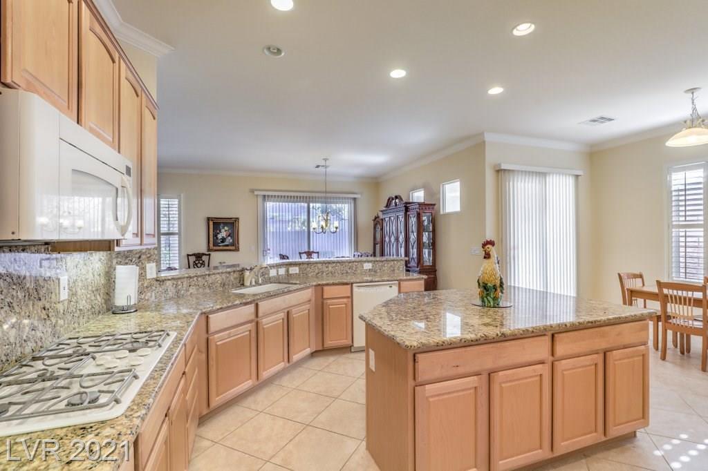 2066 Mountain City Street, Henderson, Nevada 89052, 2 Bedrooms Bedrooms, ,3 BathroomsBathrooms,Single Family,For Sale,2066 Mountain City Street,1,2276145