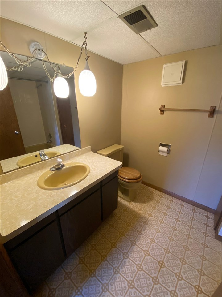 3609 Heather Ct, Middleton, Wisconsin 53562, 4 Bedrooms Bedrooms, ,3 BathroomsBathrooms,Single Family,For Sale,3609 Heather Ct,1,1895266