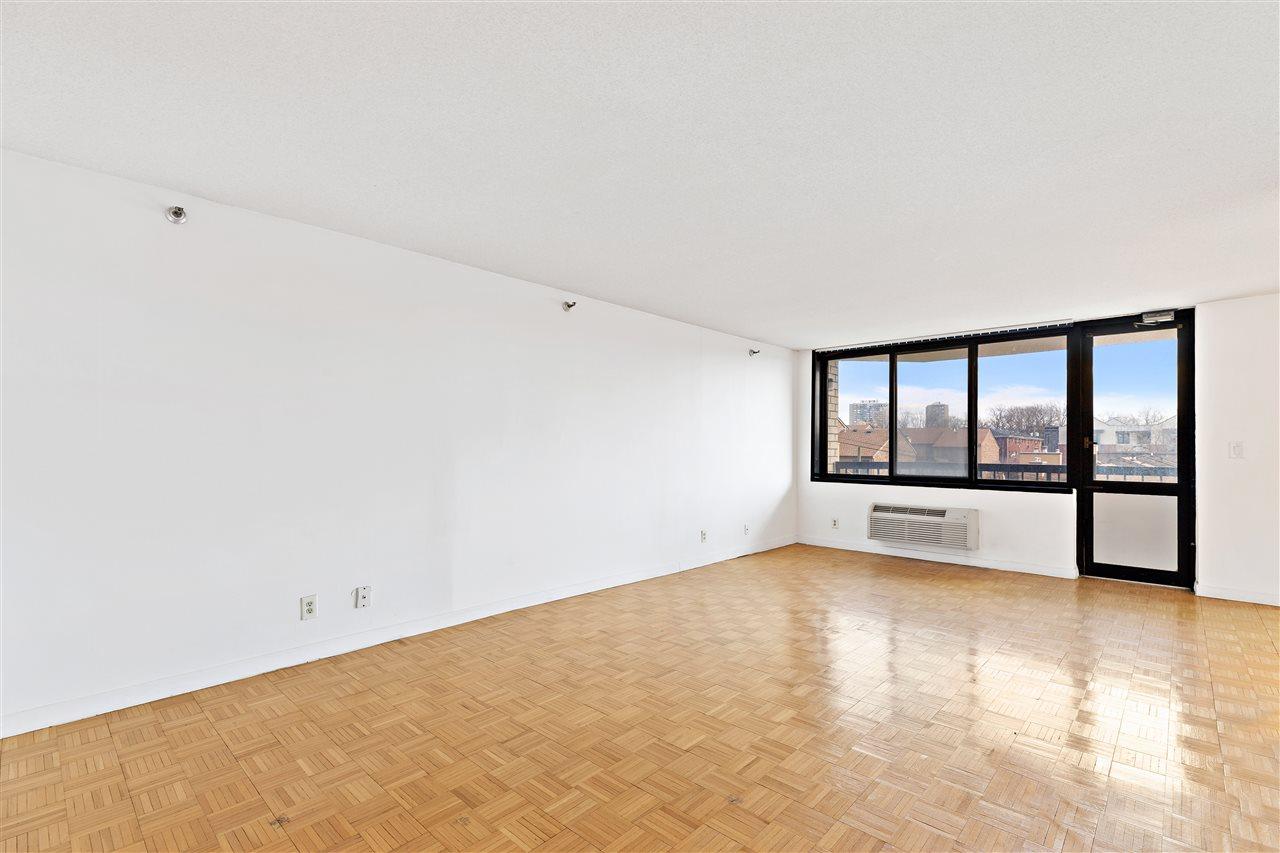 1265 15TH ST, Fort Lee, New Jersey 07024, 2 Bedrooms Bedrooms, ,2 BathroomsBathrooms,Condominium,For Sale,1265 15TH ST,210005072