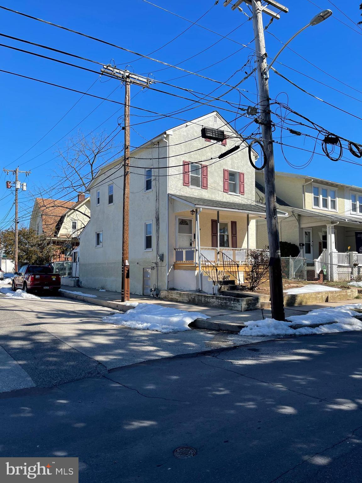 19 LINCOLN AVENUE, LANSDALE, Pennsylvania 19446, 4 Bedrooms Bedrooms, ,2 BathroomsBathrooms,Single Family,For Sale,19 LINCOLN AVENUE,PAMC684074
