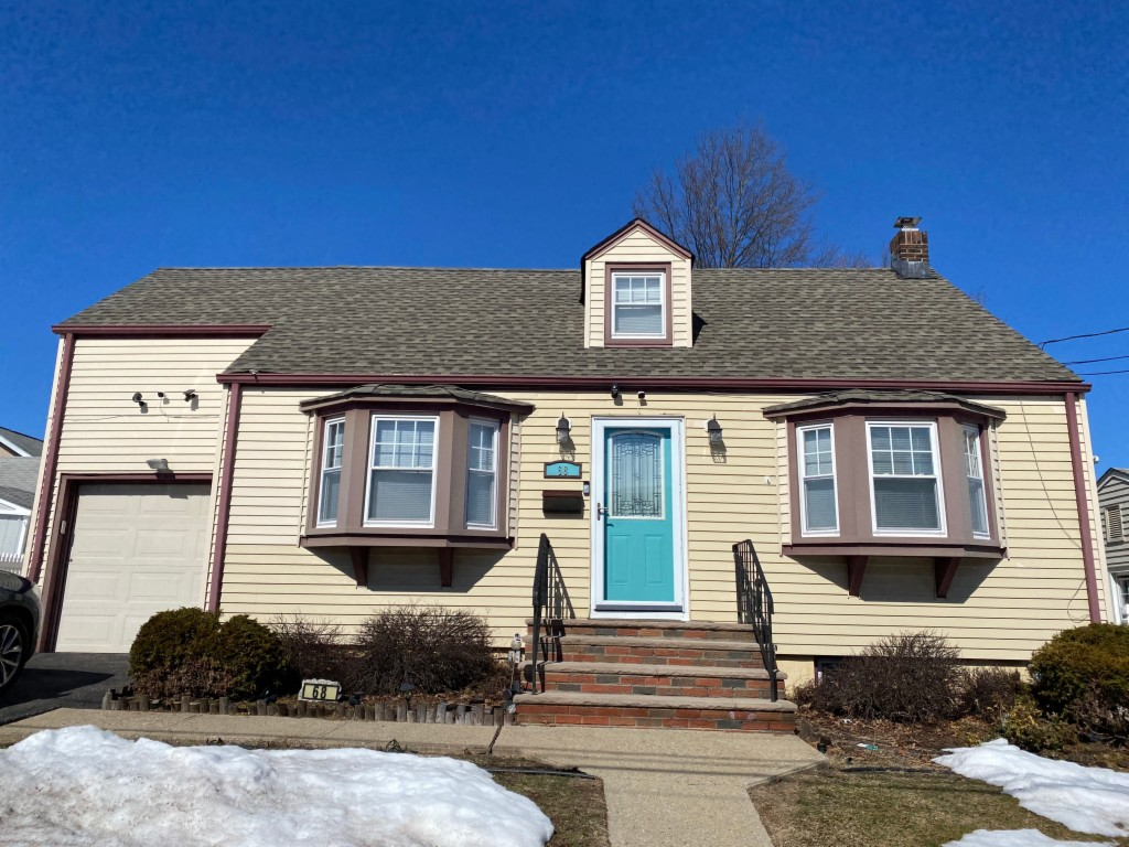 68 E 1st Street, CLIFTON, New Jersey 07011, 3 Bedrooms Bedrooms, ,2 BathroomsBathrooms,Townhouse,For Sale,68 E 1st Street,3695353