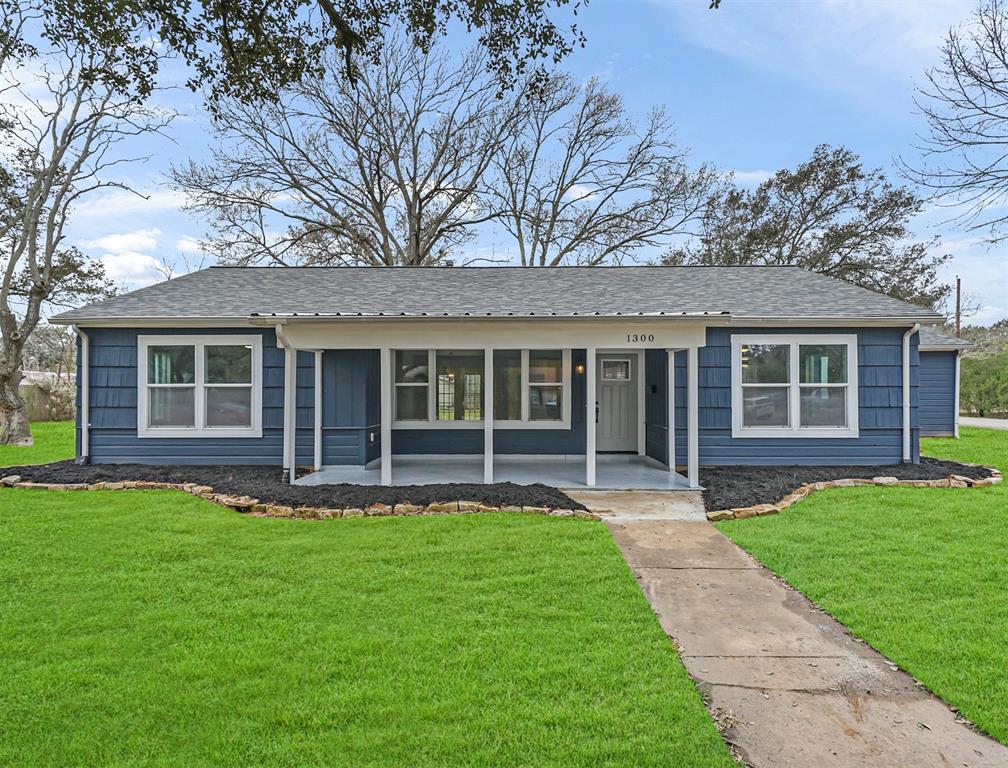 1300 George Street, Rosenberg, Texas 77471, 3 Bedrooms Bedrooms, ,2 BathroomsBathrooms,Single Family,For Sale,1300 George Street,1,90973849