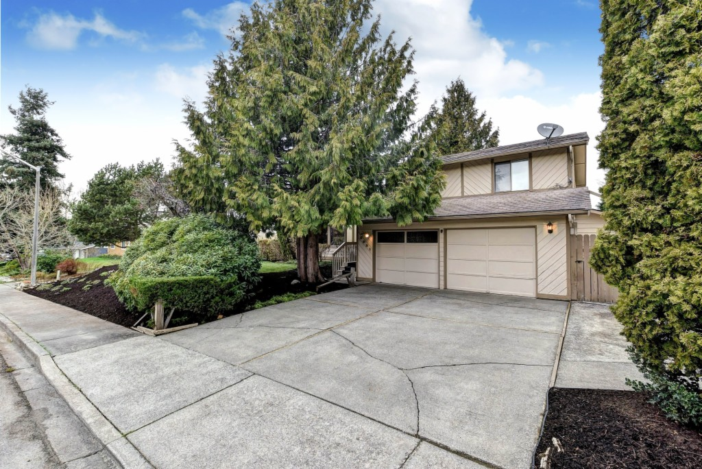 2021 Sandalwood St, Mount Vernon, Washington 98273, 3 Bedrooms Bedrooms, ,4 BathroomsBathrooms,Single Family,For Sale,2021 Sandalwood St,3,1736761