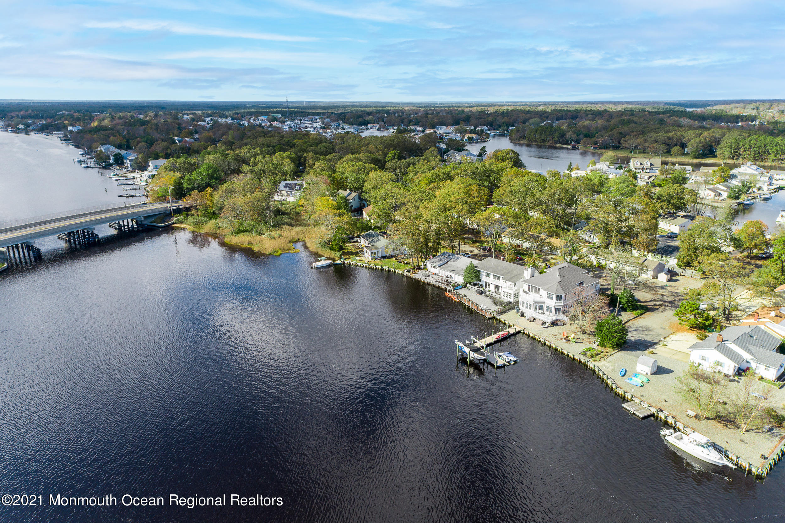 637 Oakwood Drive, Forked River, New Jersey 08731, 5 Bedrooms Bedrooms, ,2 BathroomsBathrooms,Single Family,For Sale,637 Oakwood Drive,2,22102285