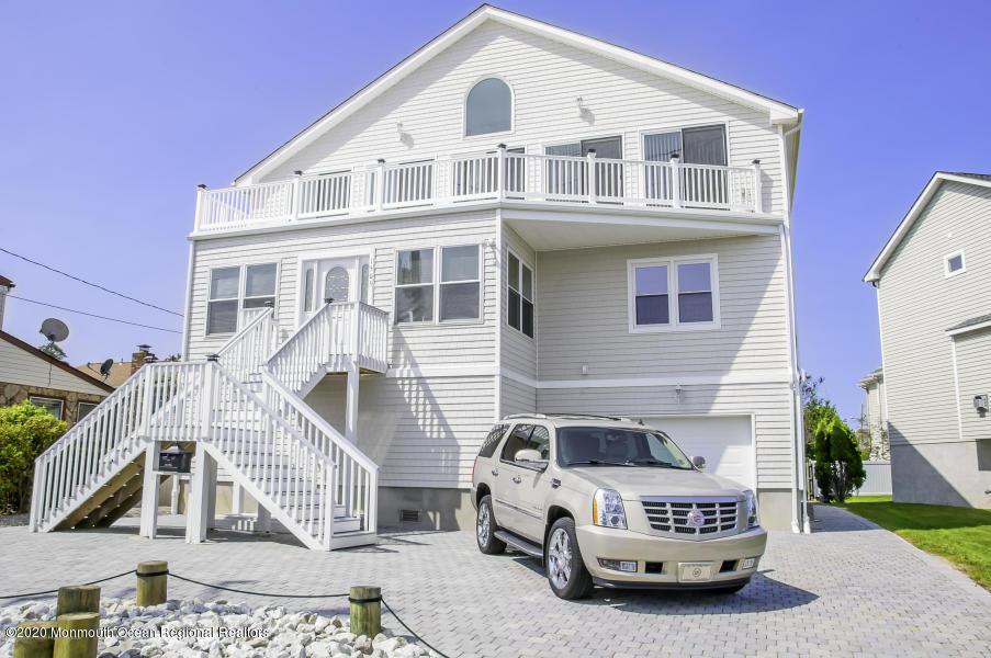1505 Saint Louis Avenue, Point Pleasant Beach, New Jersey 08742, 5 Bedrooms Bedrooms, ,4 BathroomsBathrooms,Single Family,For Sale,1505 Saint Louis Avenue,2,22029401