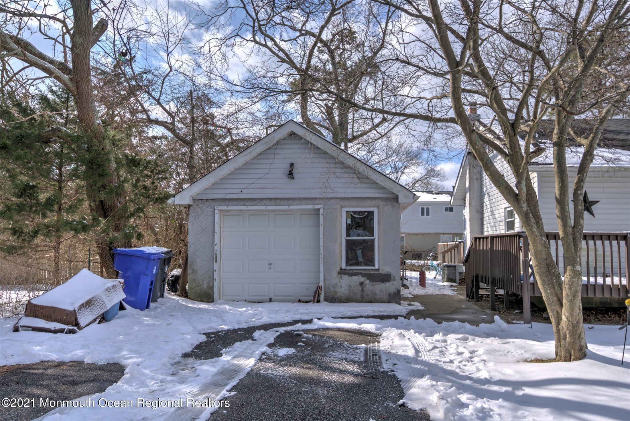 74 Dahlia Lane, Toms River, New Jersey 08753, 3 Bedrooms Bedrooms, ,2 BathroomsBathrooms,Single Family,For Sale,74 Dahlia Lane,1,22105097
