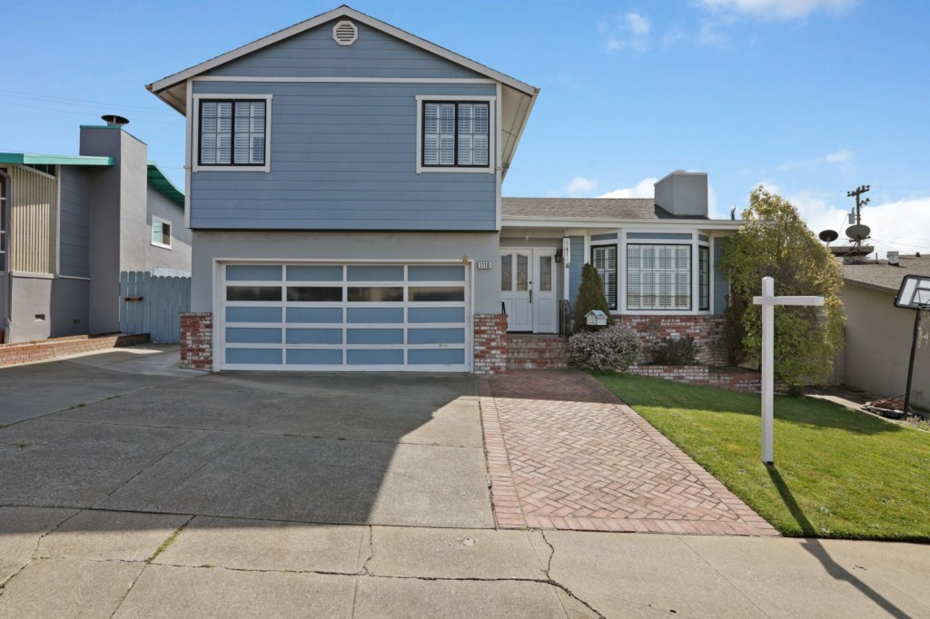 1110 Morningside Ave, SOUTH SAN FRANCISCO, California 94080, 4 Bedrooms Bedrooms, ,3 BathroomsBathrooms,Townhouse,For Sale,1110 Morningside Ave,2,513397