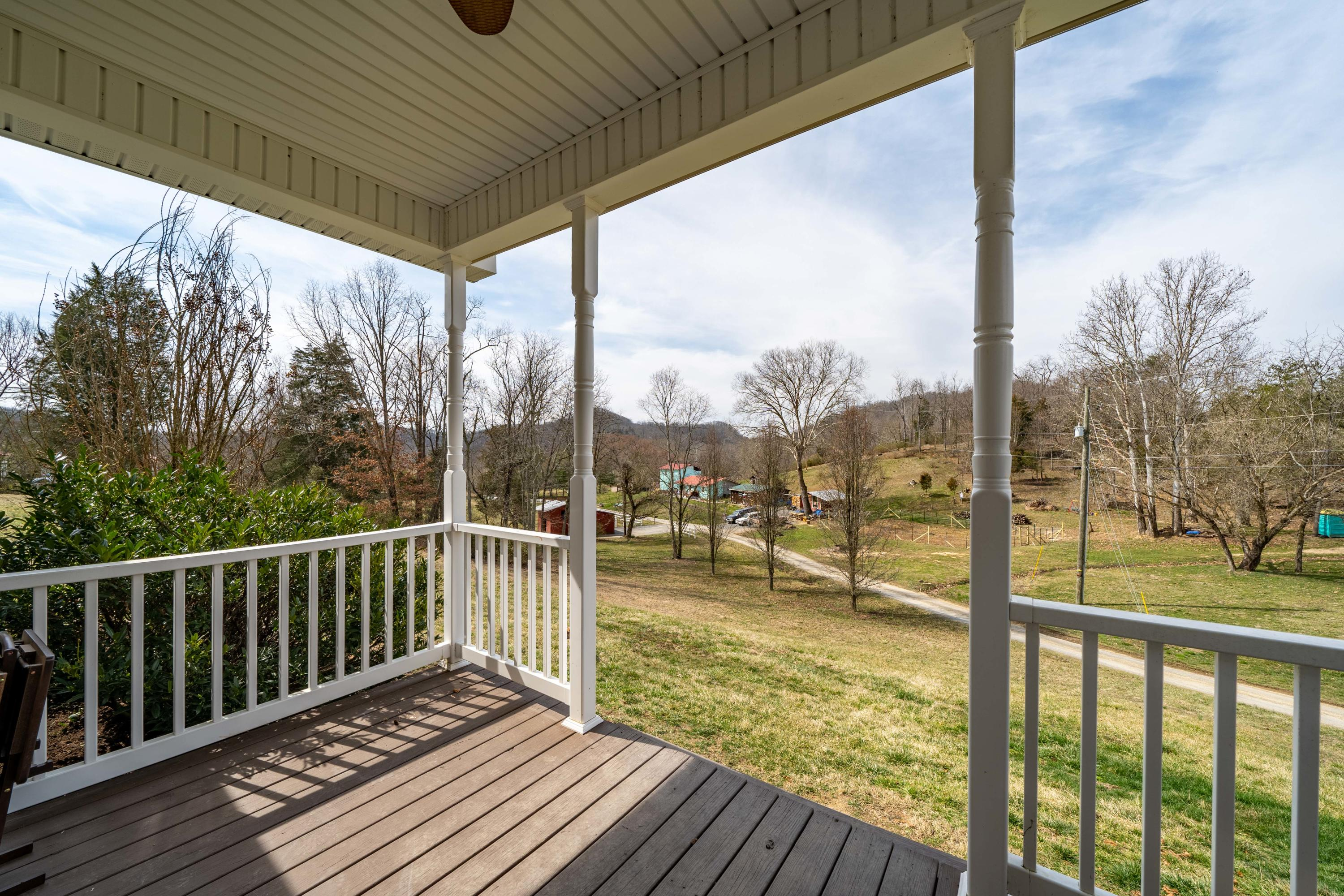117 Dickerson Road, Church Hill, Tennessee 37642, 3 Bedrooms Bedrooms, ,1 BathroomBathrooms,Single Family,For Sale,117 Dickerson Road,1,9919365