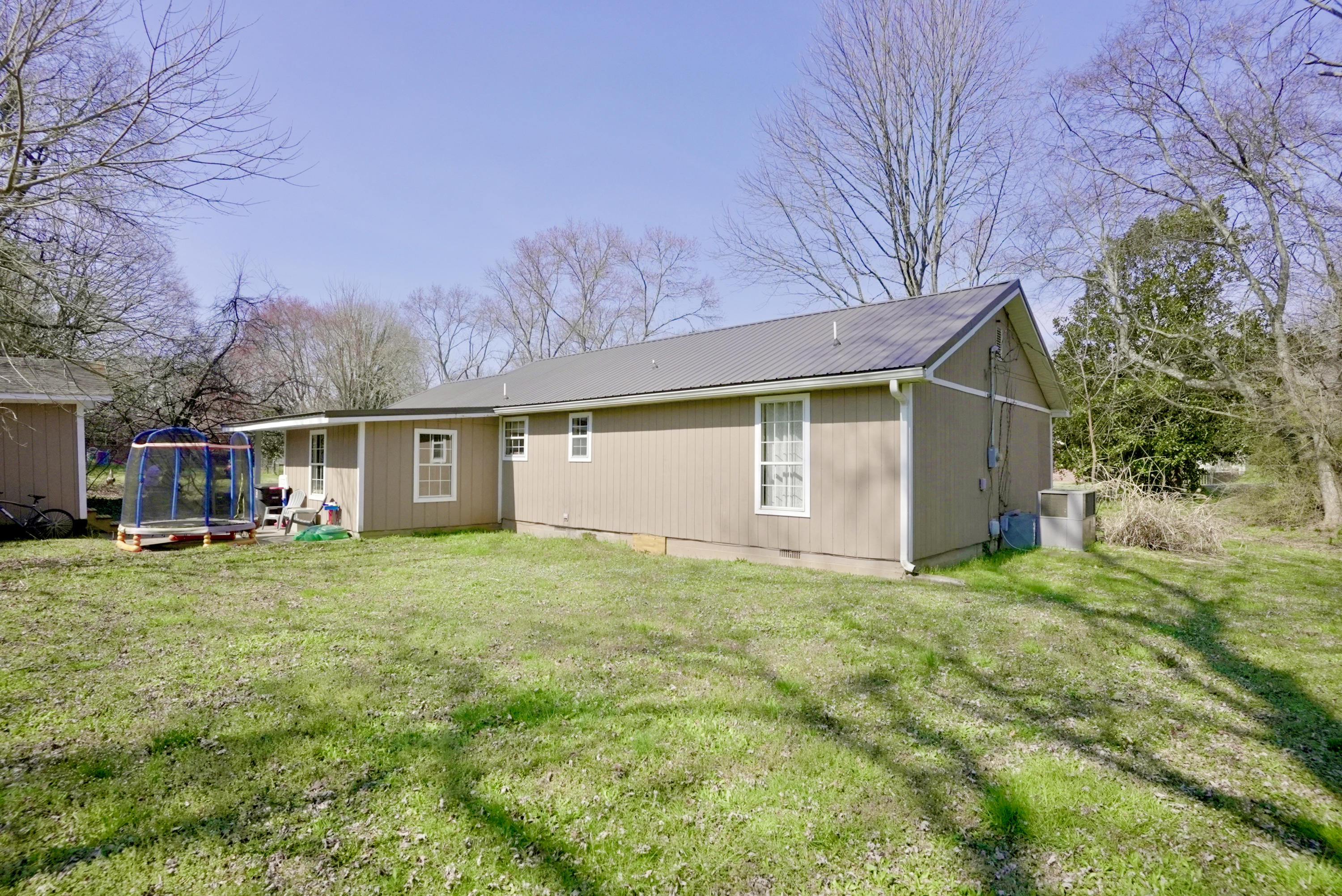 1111 Apache Street, Athens, Tennessee 37303, 3 Bedrooms Bedrooms, ,2 BathroomsBathrooms,Single Family,For Sale,1111 Apache Street,1145727
