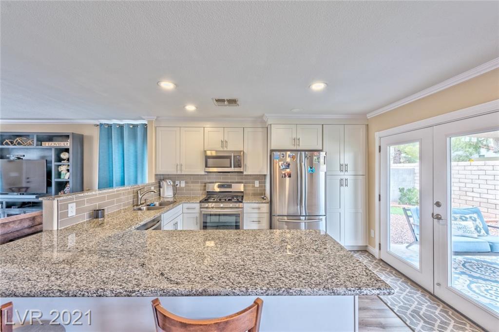 744 Moonlight Mesa Drive, Henderson, Nevada 89011, 2 Bedrooms Bedrooms, ,2 BathroomsBathrooms,Single Family,For Sale,744 Moonlight Mesa Drive,1,2278326
