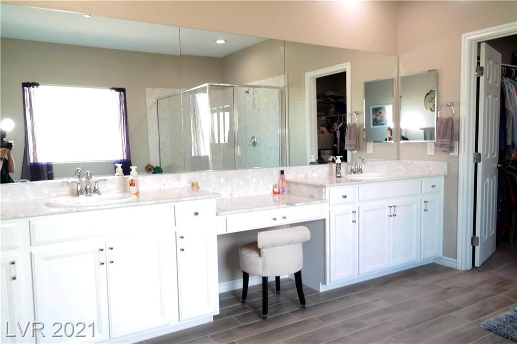989 Fairway Hill Street, Henderson, Nevada 89002, 4 Bedrooms Bedrooms, ,3 BathroomsBathrooms,Single Family,For Sale,989 Fairway Hill Street,2,2278118