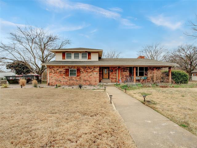 501 W Melody, Whitewright, Texas 75491, 4 Bedrooms Bedrooms, ,2 BathroomsBathrooms,Single Family,For Sale,501 W Melody,2,14515570
