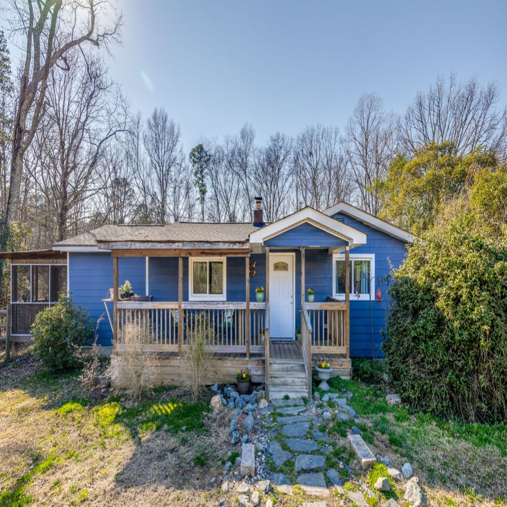 1105 Union Road, Matthews, North Carolina 28104, 2 Bedrooms Bedrooms, ,1 BathroomBathrooms,Single Family,For Sale,1105 Union Road,1,3708875