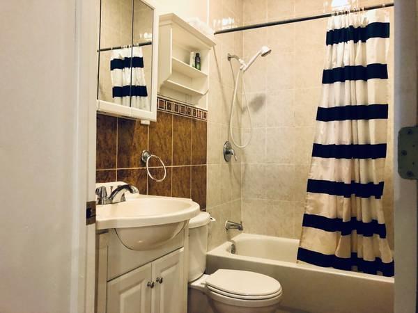 607 BERGENLINE AVE, Union City, New Jersey 07087, 2 Bedrooms Bedrooms, ,1 BathroomBathrooms,Condominium,For Sale,607 BERGENLINE AVE,210006078