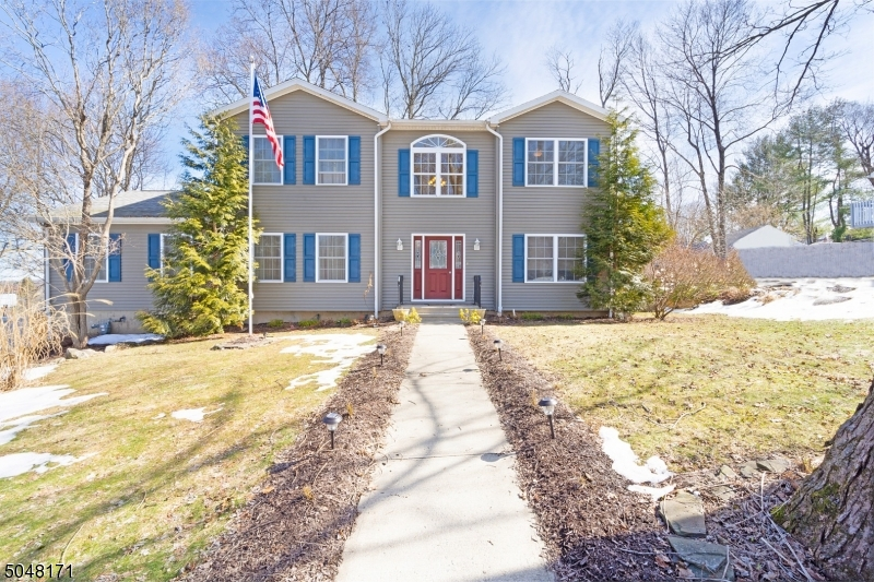 11 Timberline Rd, Mount Olive Twp., New Jersey 07828-2960, 3 Bedrooms Bedrooms, ,3 BathroomsBathrooms,Single Family,For Sale,11 Timberline Rd,3698293