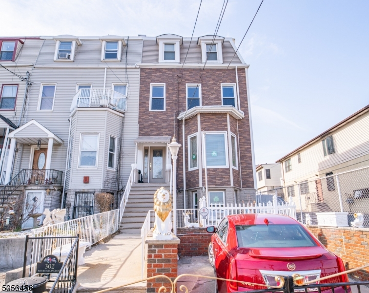 302 Paterson Plank Rd, Jersey City, New Jersey 07307-1032, 7 Bedrooms Bedrooms, ,4 BathroomsBathrooms,Multifamily,For Sale,302 Paterson Plank Rd,3699155
