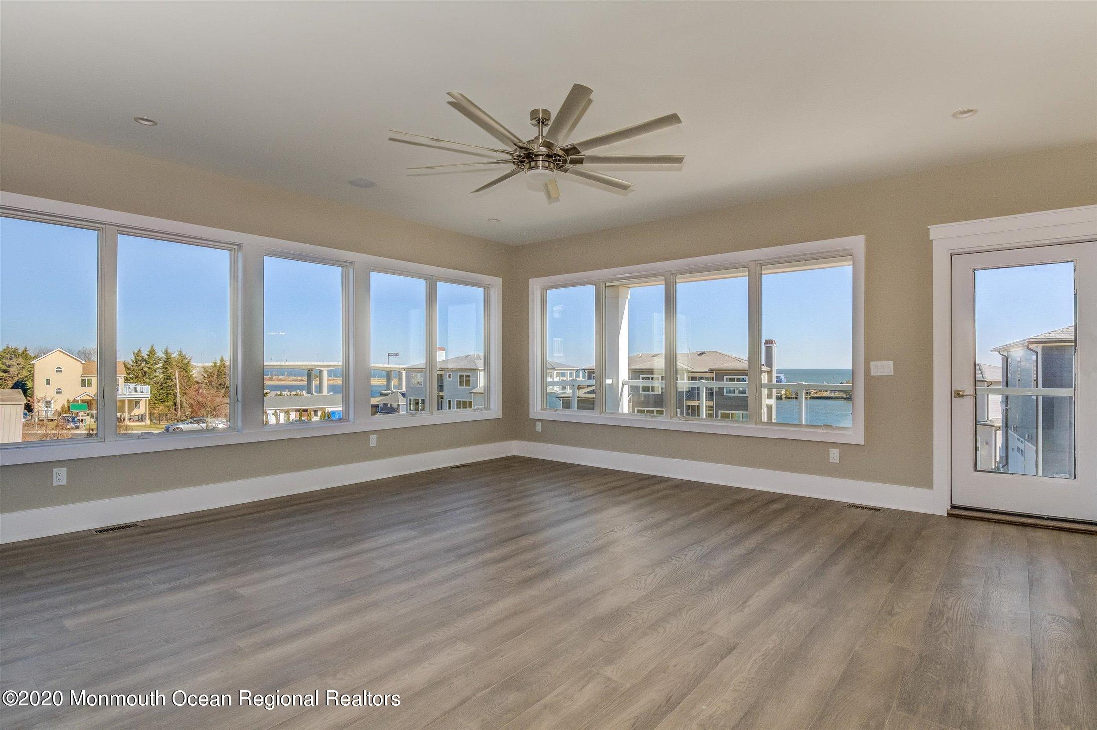 88-1 Portland Road, Highlands, New Jersey 07732, 5 Bedrooms Bedrooms, ,3 BathroomsBathrooms,Single Family,For Sale,88-1 Portland Road,3,22108684