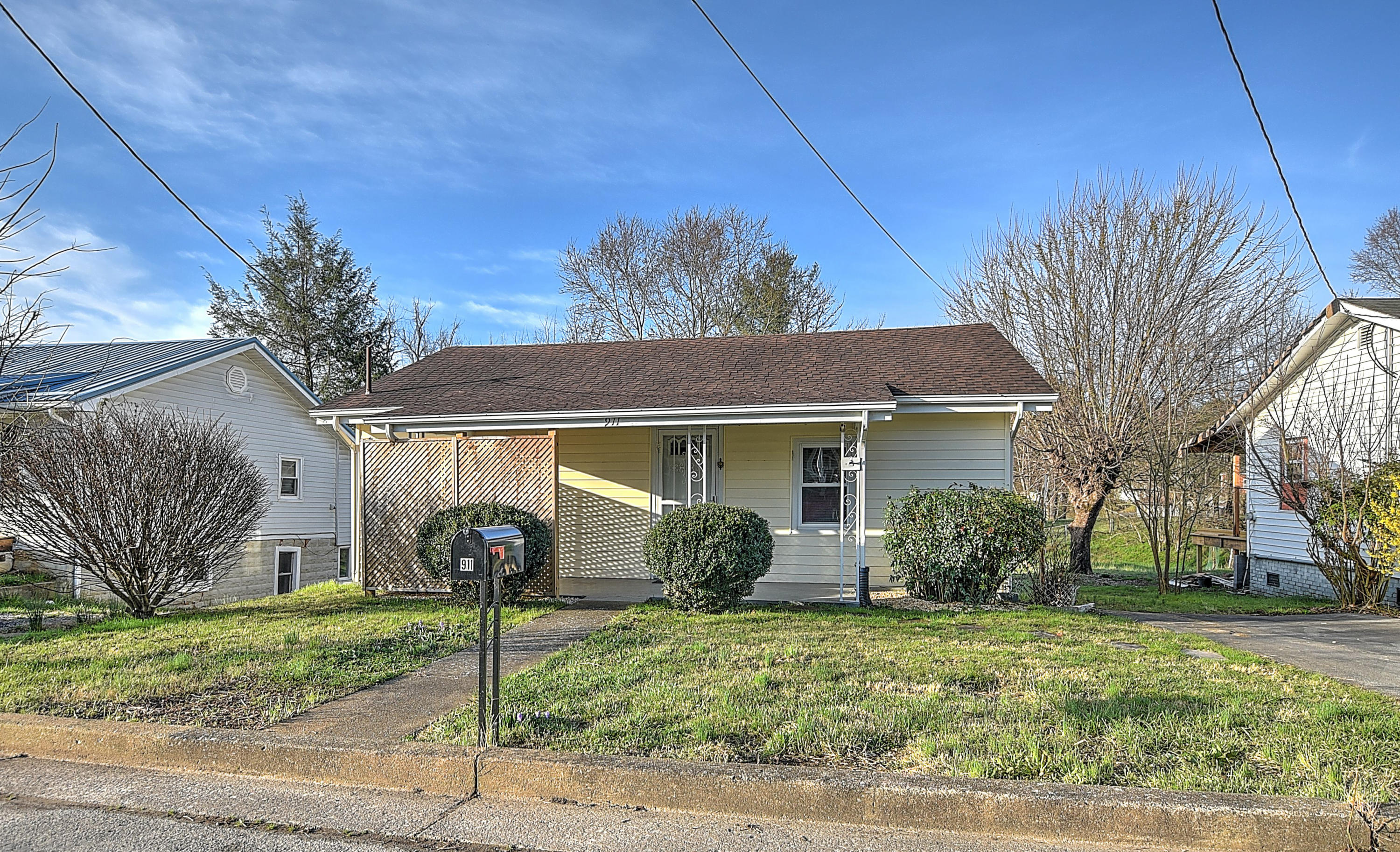 911 Hopson Street, Johnson City, Tennessee 37601, 3 Bedrooms Bedrooms, ,1 BathroomBathrooms,Single Family,For Sale,911 Hopson Street,9919775