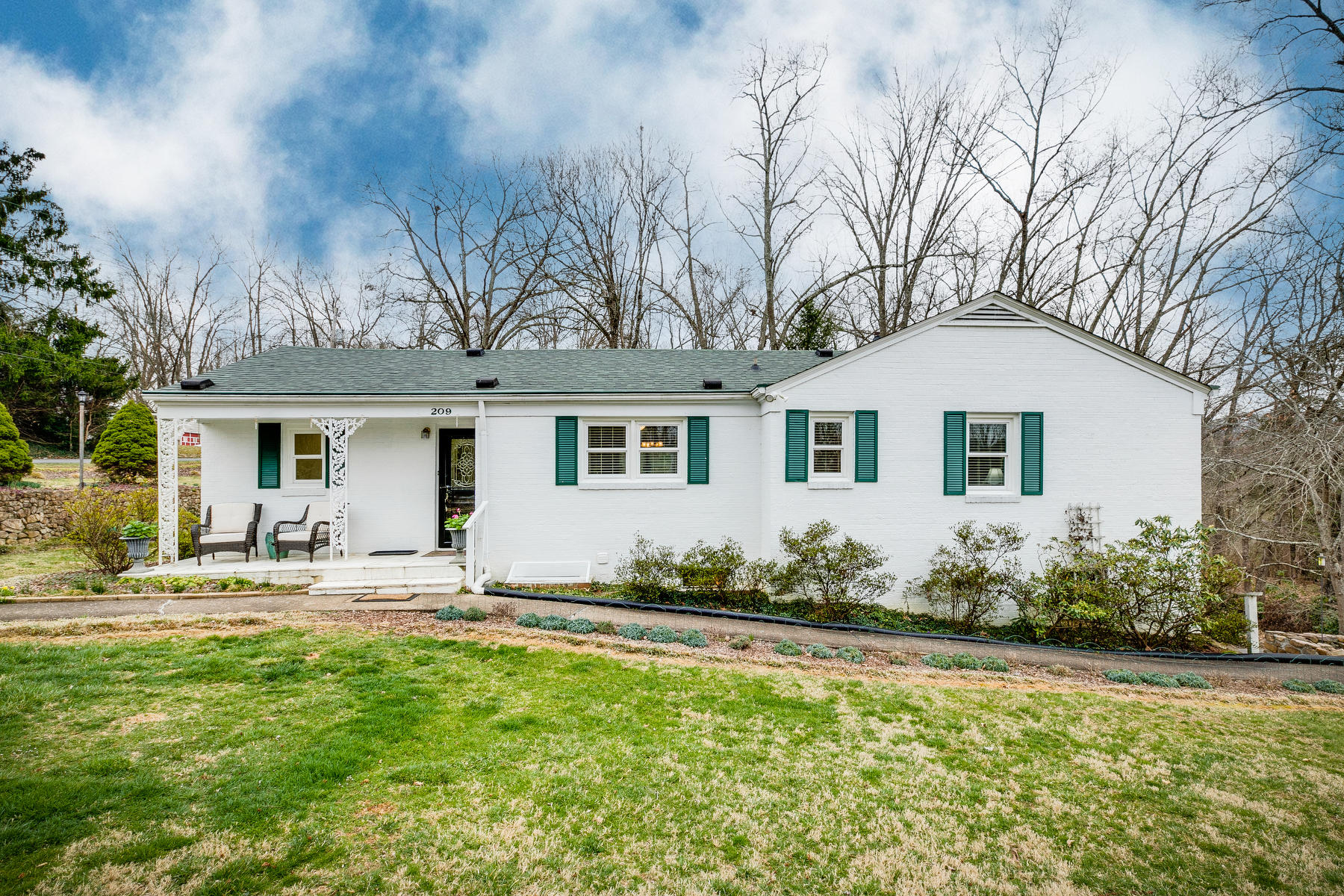 209 Forest Hills Drive, Kingsport, Tennessee 37663, 4 Bedrooms Bedrooms, ,3 BathroomsBathrooms,Single Family,For Sale,209 Forest Hills Drive,9919927