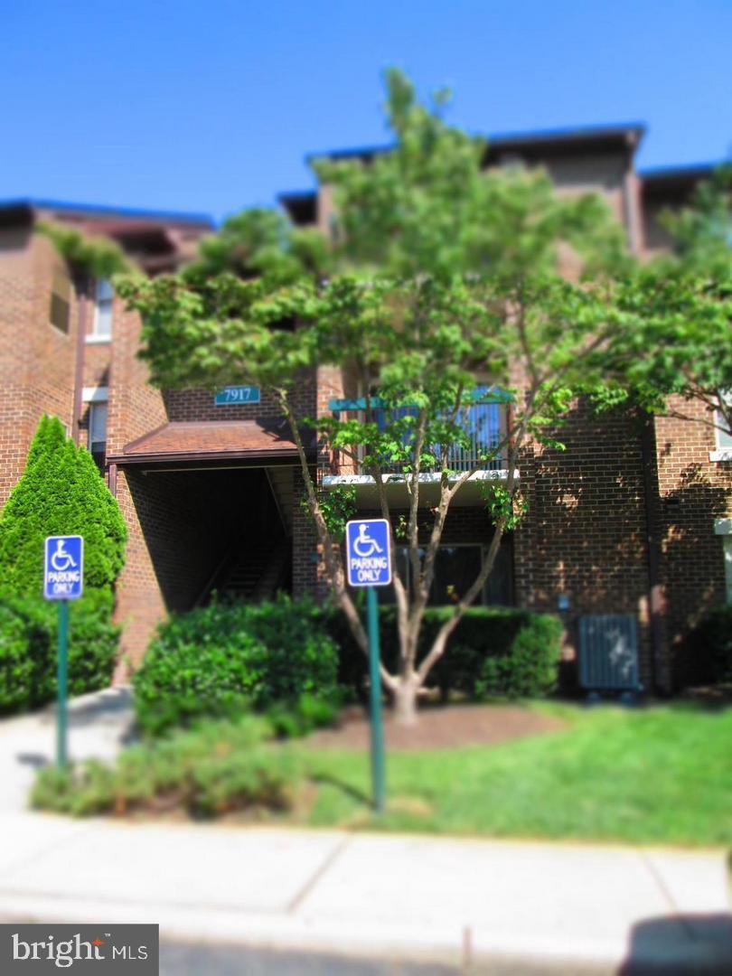 7917 CORIANDER DR #103, GAITHERSBURG, Maryland 20879, 1 Bedroom Bedrooms, ,1 BathroomBathrooms,Common Interest,For Sale,7917 CORIANDER DR #103,MDMC749096