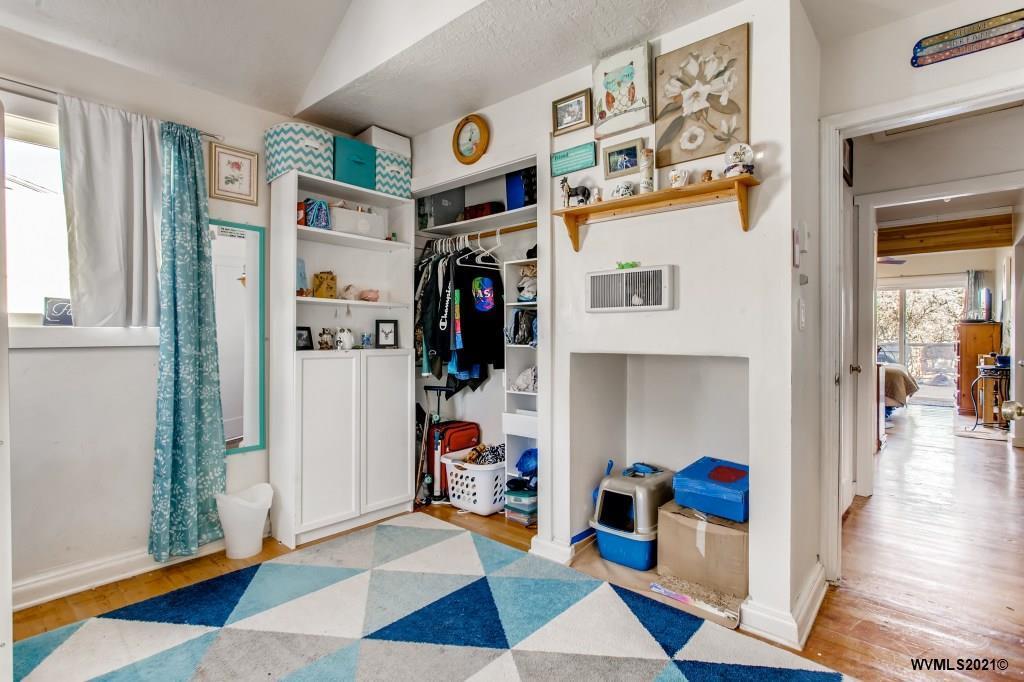 645 W Main St, Carlton, Oregon 97111, 3 Bedrooms Bedrooms, ,2 BathroomsBathrooms,Single Family,For Sale,645 W Main St,2,774827