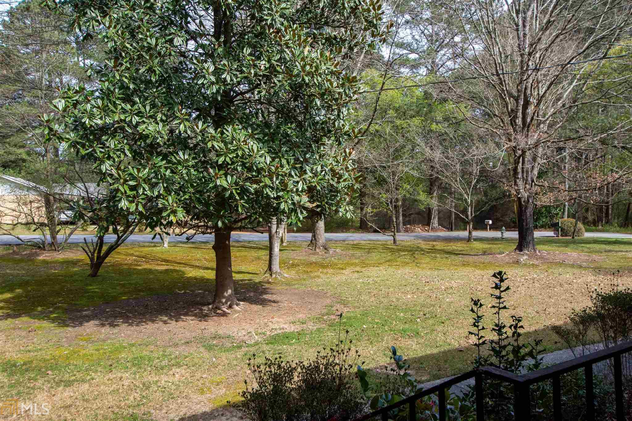 2543 S Lake, Snellville, Georgia 30078, 4 Bedrooms Bedrooms, ,3 BathroomsBathrooms,Single Family,For Sale,2543 S Lake,1,8948035