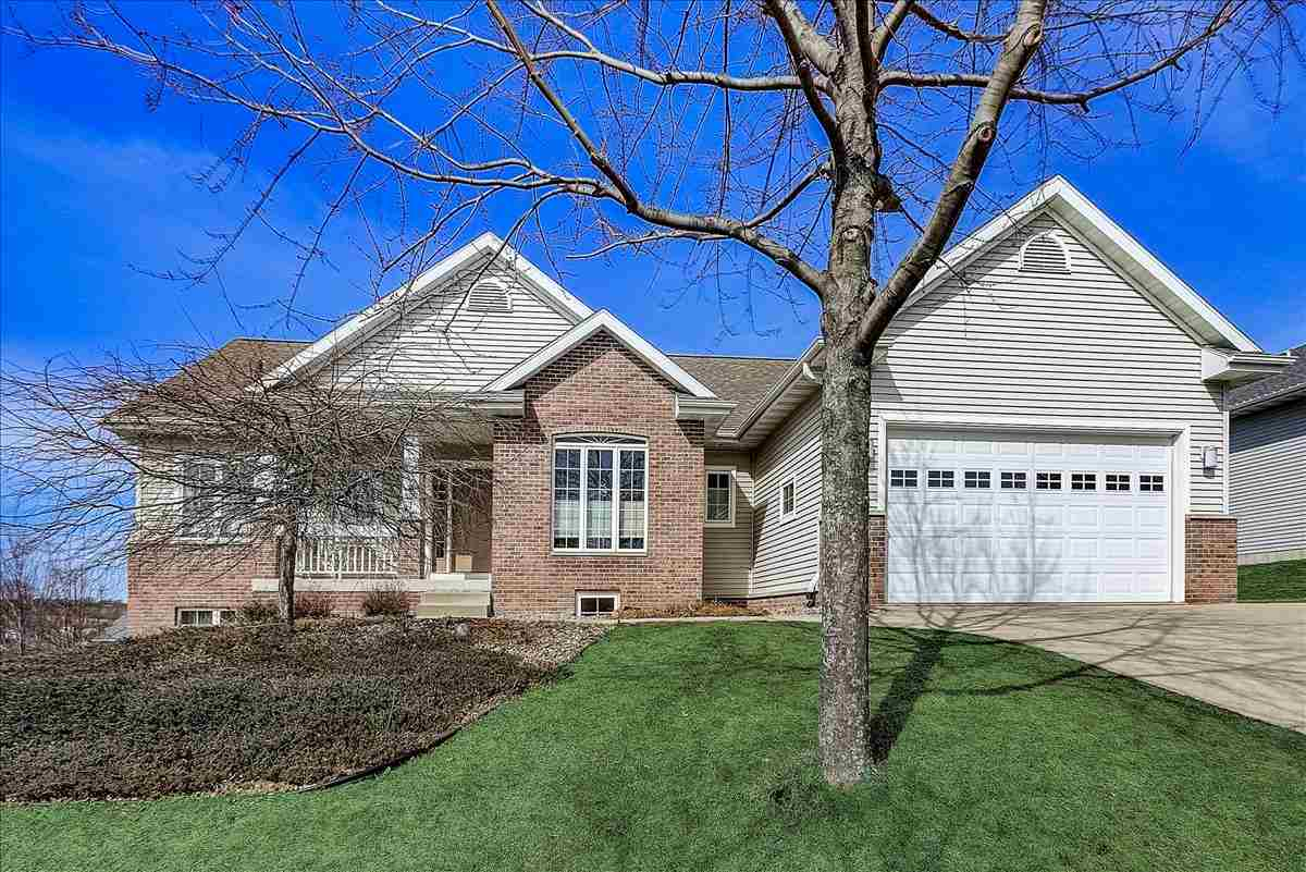 505 Skyview Dr, Waunakee, Wisconsin 53597, 4 Bedrooms Bedrooms, ,4 BathroomsBathrooms,Single Family,For Sale,505 Skyview Dr,1,1904419