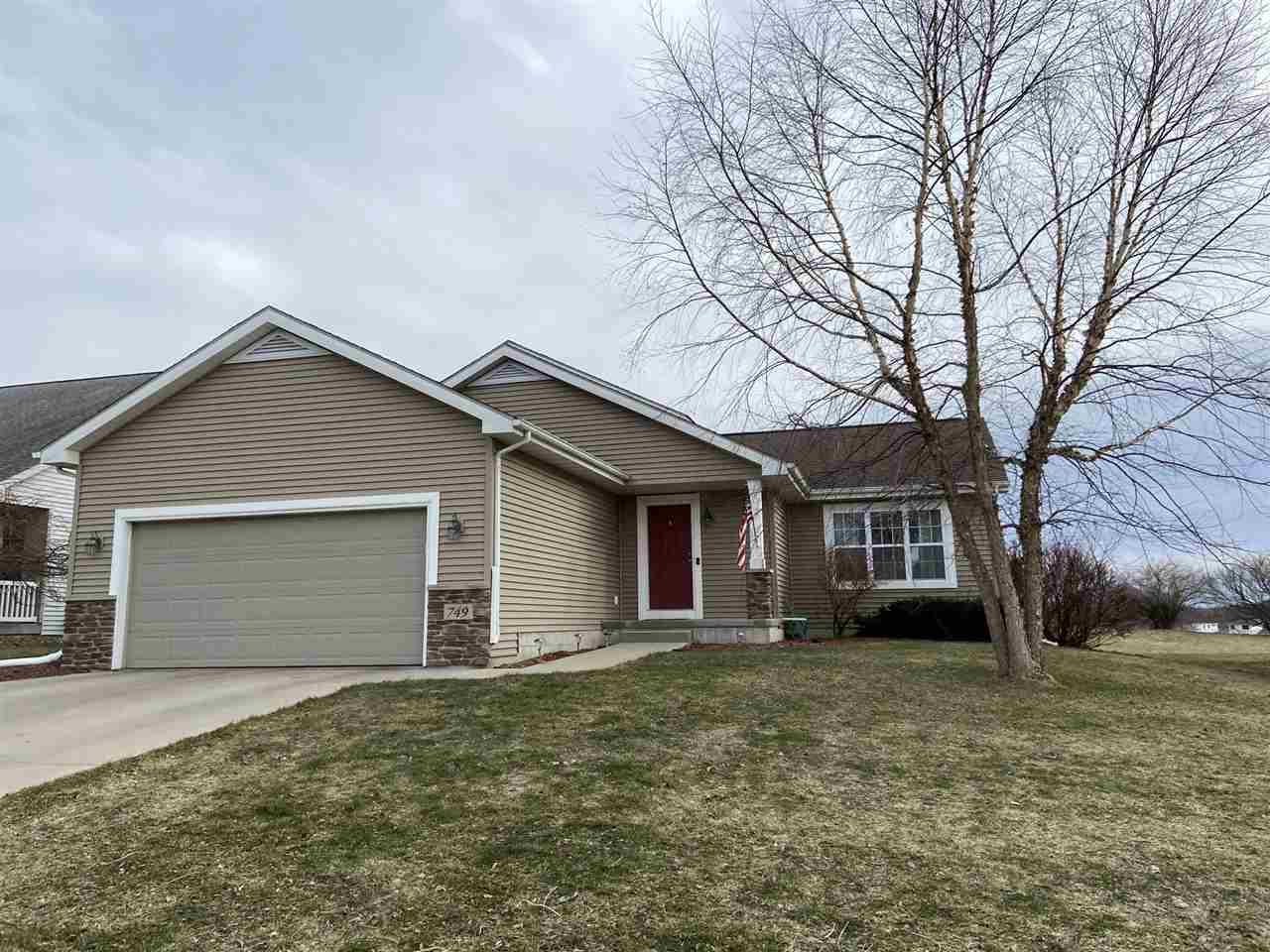 749 Fairview Terr, Verona, Wisconsin 53593, 4 Bedrooms Bedrooms, ,3 BathroomsBathrooms,Single Family,For Sale,749 Fairview Terr,1904284