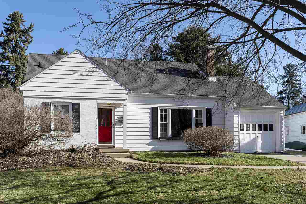 360 Woodland Cir, MADISON, Wisconsin 53704, 3 Bedrooms Bedrooms, ,2 BathroomsBathrooms,Single Family,For Sale,360 Woodland Cir,1.5,1904429