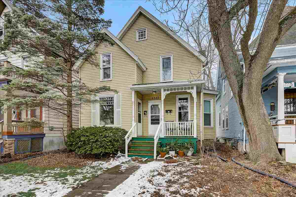 1227 Spaight St, MADISON, Wisconsin 53703-4495, 3 Bedrooms Bedrooms, ,2 BathroomsBathrooms,Single Family,For Sale,1227 Spaight St,2,1904176