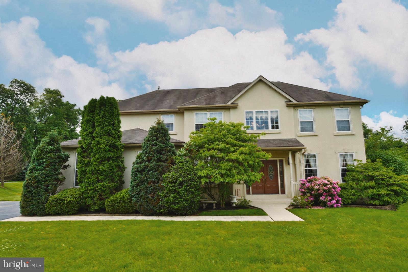 424 SILVER LEAF CIRCLE, COLLEGEVILLE, Pennsylvania 19426, 4 Bedrooms Bedrooms, ,4 BathroomsBathrooms,Single Family,For Sale,424 SILVER LEAF CIRCLE,PAMC682842