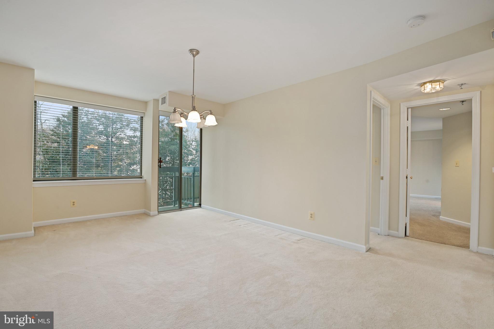5450 WHITLEY PARK TERRACE, BETHESDA, Maryland 20814, 2 Bedrooms Bedrooms, ,2 BathroomsBathrooms,Condominium,For Sale,5450 WHITLEY PARK TERRACE,MDMC734392
